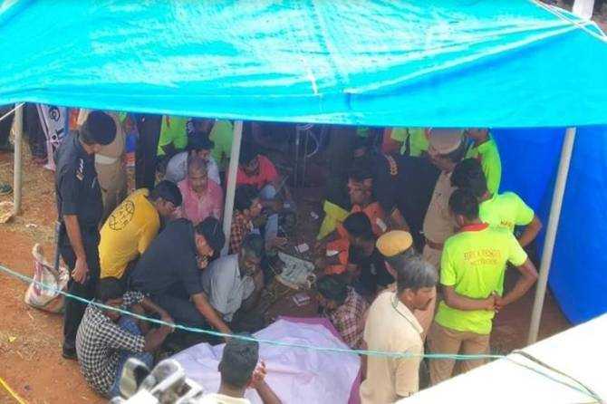 surjith trichy borewell rescue process sujith rescue operation - திணறும் அதிகாரிகள்; ஏக்கத்தின் சுர்ஜித் பெற்றோர் - மூச்சு முட்ட வைக்கும் Quarts Crystalline