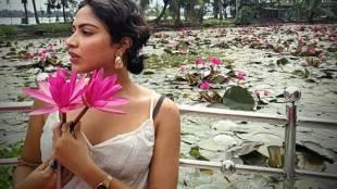 amalapaul viral video, mango kissing