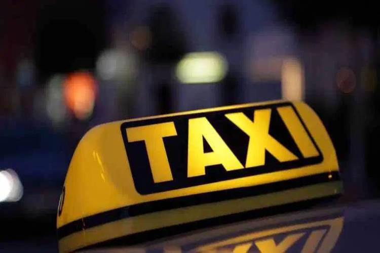 Cab driver convinces US national Delhi is shut, dupes him of $1,294