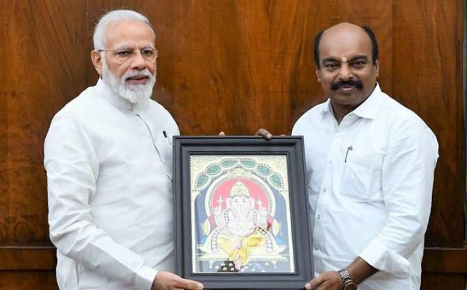 AIADMK MP Meets PM Narendra Modi, Vijayakumar MP Meets PM Modi, PM Narendra Modi Chennai visit, பிரதமர் நரேந்திர மோடி, விஜயகுமார் எம்.பி