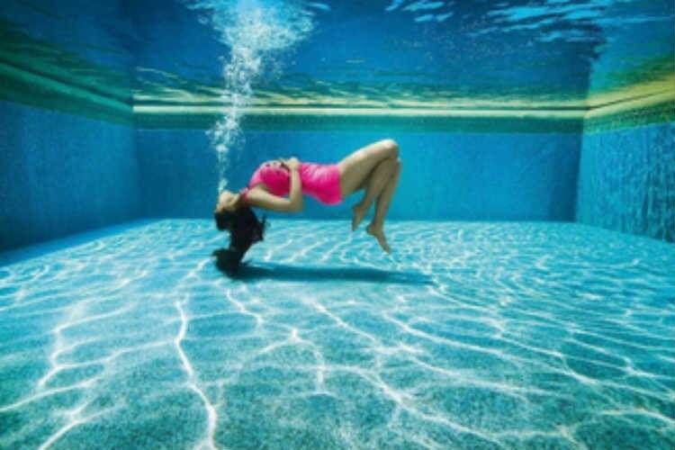Alia Bhatt underwater photo shoot