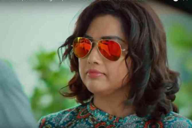 Actress Meena acting in Karoline kamakshi Web series, meena, meenaa acting in in Karoline kamakshi, மீனா, ஜீ5 ஆப், கரோலின் காமாட்சி Karoline kamakshi, zee5 meena shouting bad words