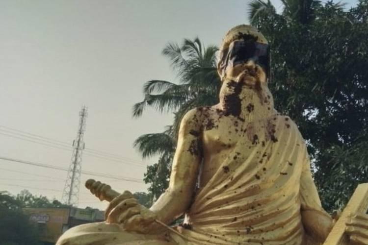 Thiruvalluvar statue vandalised thanjavur pillaiyarpatti leaders condemns students protest - தஞ்சையில் திருவள்ளுவர் சிலை உடைப்பு - மாணவர்கள் போராட்டம், தலைவர்கள் கண்டனம்