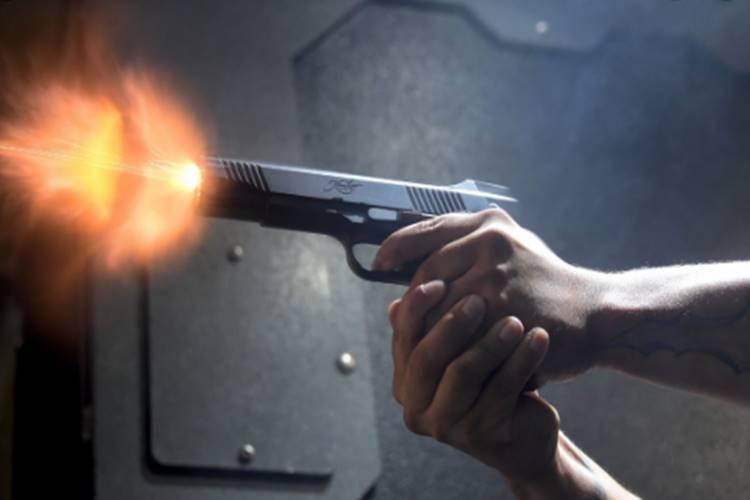 college student gun shot near chennai mukesh - சென்னை கல்லூரி மாணவர் மீது துப்பாக்கிச் சூடு - நடந்தது என்ன?