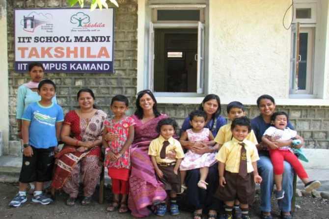 private schools in IITs,IITs,private schools, கேந்திய வித்யாலயா,
