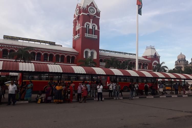 dirtiest railway station in India : Chennai Central Dirtiest railway station