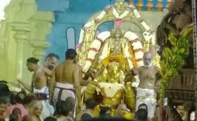 Kanchipuram vadakalai vs thenkalai, kanchipuram varadaraja perumal, வடகலை தென்கலை, Kanchipuram vaikunta perumal temple