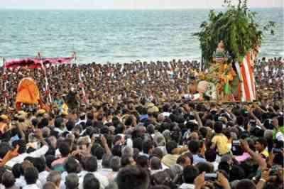soorasamharam, soorasamharam Thiruchendur, soorasamharam Thiruchendur Arulmigu Subramaniya Swamy Temple, Thiruchendur soorasamharam, thiruchendur murugan temple, thiruchendur murugan temple soorasamharam live, thiruchendur murugan temple timings
