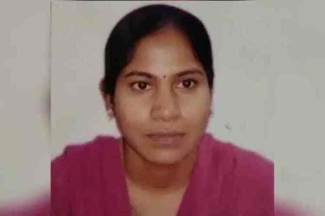 Woman tahsildar burnt live, Woman tahsildar vijaya reddy burnt live to death, Woman tahsildar vijaya reddy burnt to death telangana, தெலங்கானாவில் தாசில்தார் உயிருடன் எரித்துக்கொலை, பெண் தாசில்தார் எரித்துக்கொலை, வட்டாட்சியர் எரித்துக்கொலை, தெலங்கானாவில் பெண் வட்டாட்சியர் எரித்துக்கொலை, tahsildar live burnt to death in telangana, tahsildar burnt alive, பெண் வட்டாட்சியர் விஜயா ரெட்டி எரித்துக்கொலை, woman tahsildar burnt alive, telangana news, Tamil indian express