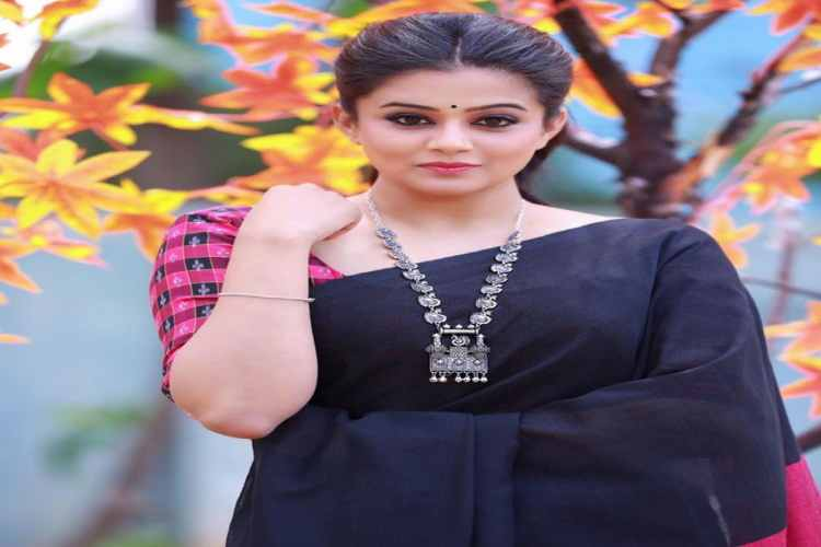 Priyamani will play the role of Sasikala in Thalaivi, the official Jayalalithaa biopic
