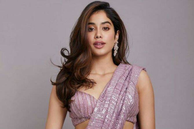 Janhvi Kapoor Latest Images