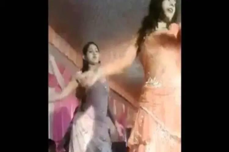 Dancer shot in face at UP wedding, two arrested - திருமண நிகழ்ச்சியில் நடனமாடிய பெண்ணின் முகத்தில் துப்பாக்கிச் சூடு! பகீர் வீடியோ