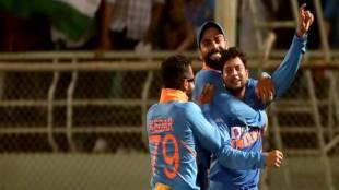 kuldeep yadav second hat trick ind vs wi 2nd odi full video - இரண்டாவது ஹாட்ரிக் கைப்பற்றிய முதல் இந்தியன் - அந்த மூணாவது விக்கெட் செம (வீடியோ)