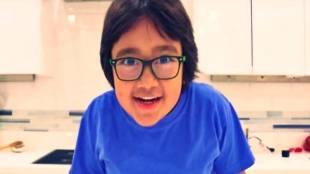 8-year-old Ryan Kaji tops YouTube list of high earners with $26 million - யூடியூப் பயன்படுத்தி 184 கோடி சம்பாதித்த 8 வயது சிறுவன்