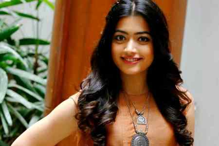 rashmika mandanna, sarileru neekevvaru, mahesh babu, dear comrade actress, rashmika actress income tax raids, rashmika mandanna house raided, coorg news, ரஷ்மிகா, நடிகை ரஷ்மிகா மந்தன்னா, ரஷ்மிகா மந்தன்னா வீட்டில் வருமானவரித்துறை சோதனை, bangalore latest news, sandalwood actress rashmika mandanna, rashmika mandanna kannada movies, kannada rashmika mandanna, tamil rashmika mandanna