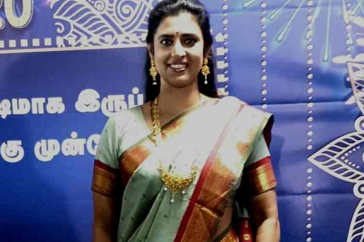 ajith fans vs actress kasthuri, ajith fans vs kasthuri, அஜித் ரசிகர்கள், கஸ்தூரி, actress kasthuri, ajith fans, dirty ajith fans, ajith fans vs actress kasthuri controversy