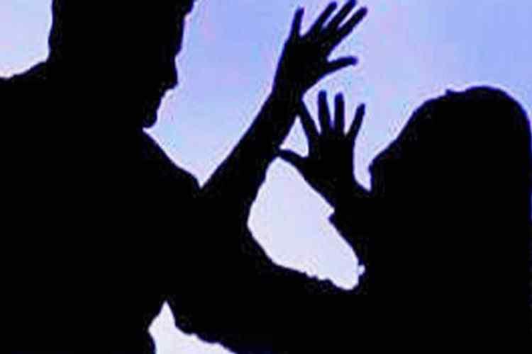 23-year-old student from Tamil Nadu was stabbed, 23-year-old Tamil student was stabbed at Toronto, கனடாவில் தமிழ் பெண்ணுக்கு கத்திக்குத்து, தமிழக மாணவிக்கு கனடாவில் கத்திக்குத்து, Tamil girl stabbed in canada, tamil student attacked by unidentified man in canada, girl attack in Canada