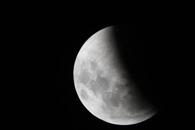 Lunar Eclipse 2020 Date Time India, Lunar Eclipse 2020 Date and Time India, wolf moon eclipse