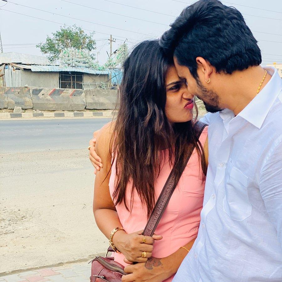 Myna Nandhini, Valentine's Day
