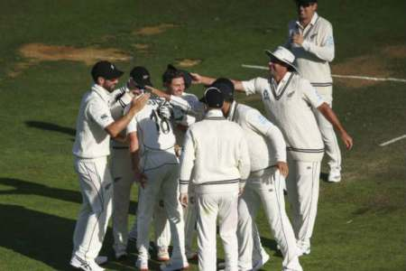 New zealand won by 10 wickets