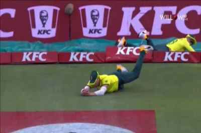 faf du plessis, david miller, du plessis miller catch, faf du plessis relay catch, david miller relay catch, south africa vs australia, sa vs aus, cricket news