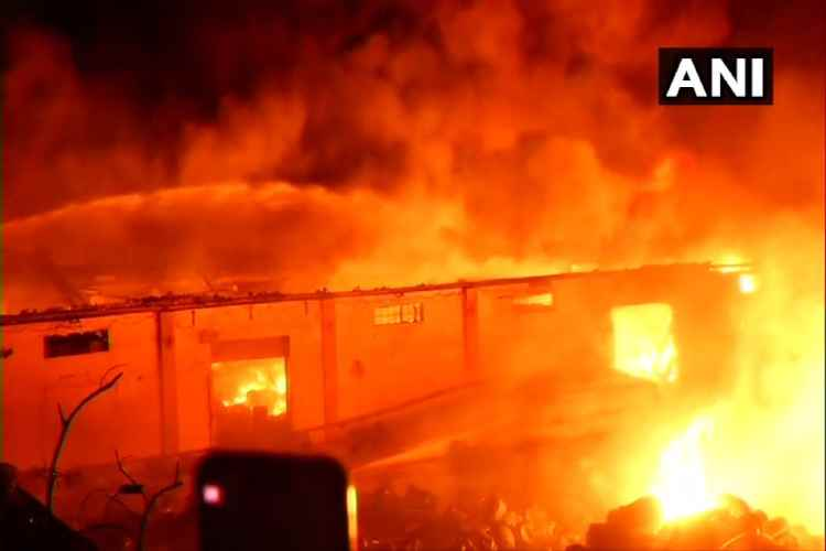 chennai, madhavaram, chemical godown fire accident, சென்னை, மாதவரம், தீவிபத்து news in tamil, tamil news, news tamil, todays news in tamil, today tamil news, today news in tamil, today news tamil
