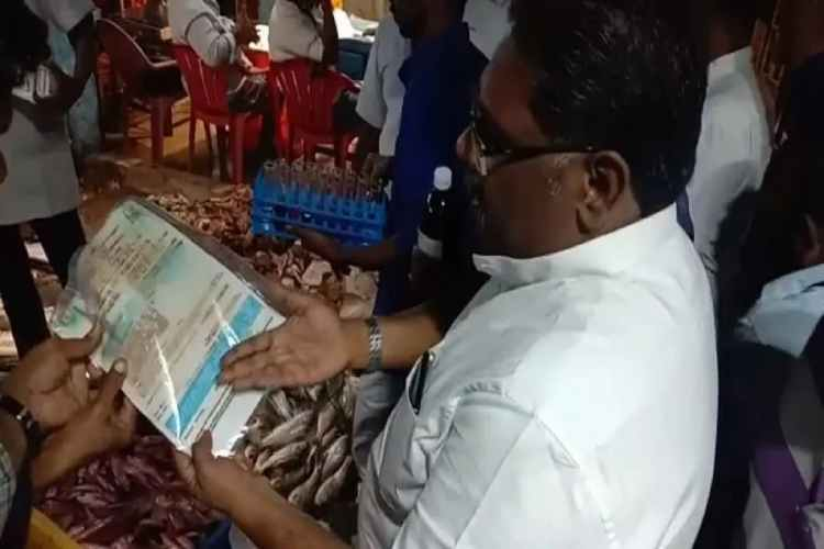 madurai, seafood, fish, crab, formalin, food safety department, raid, seize, fish market