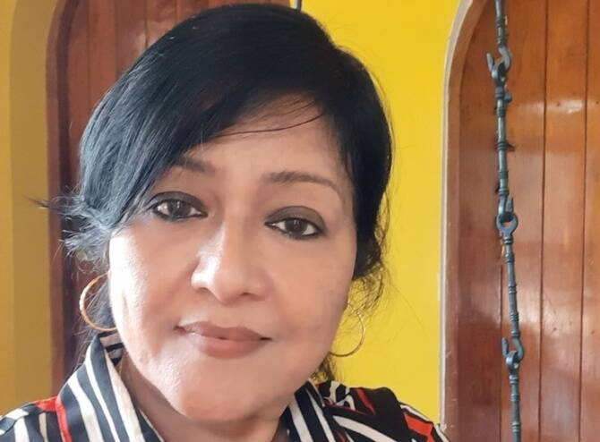 Former Doordarshan newsreader Shobana Ravi IE Tamil Facebook live