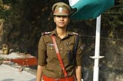 COVID 19 Woman sub-inspector Shahida Praveen postponed her marriage to help migrant workers
