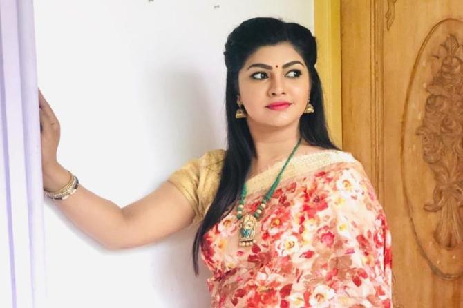 Sun TV Roja Serial Villi Priya, Shalimi Sukumar