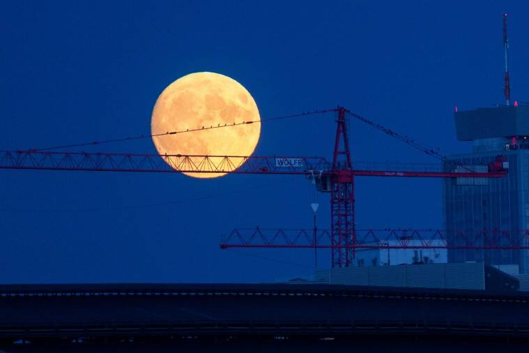 Super Pink Moon 2020 photo gallery