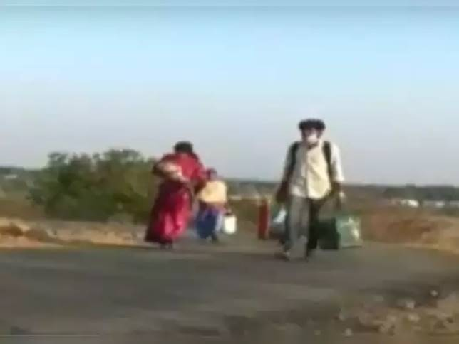 thiruvannamalai ambulance driver exit couple with infant 25 km walk