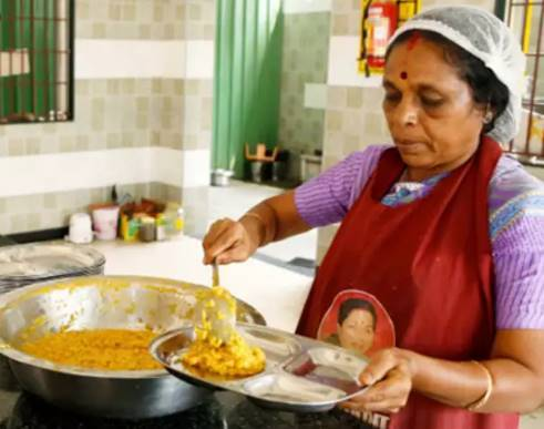 amma canteen in TN sales doubled nearly 7 lakh people eating food daily