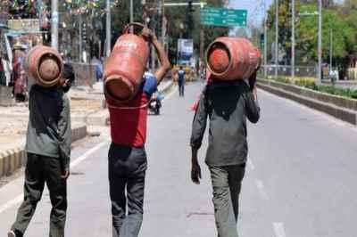LPG cylinder,LPG cylinder price, non-subsidy gas price, chennai, delhi, kolkata, mumbai, price slash