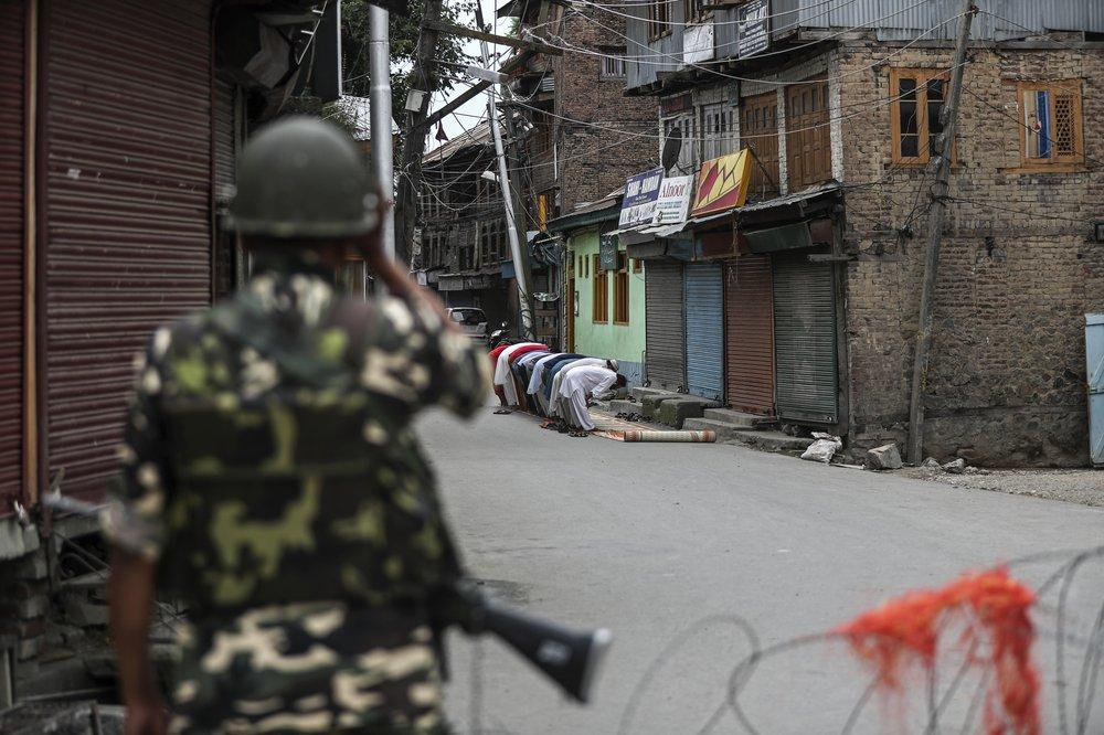 3 Jammu Kashmir Photojournalists win Pulitzer prize for photography