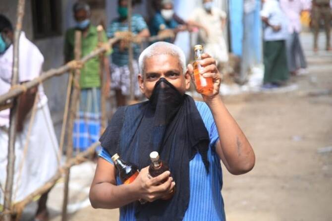 Closure of TASMAC Liquor Shops : TN government appeals supreme court for TASMAC reopening, டாஸ்மாக் கடைகள், தமிழக அரசு, மேல் முறையீடு, உச்ச நீதிமன்றம், உயர் நீதிமன்றம்