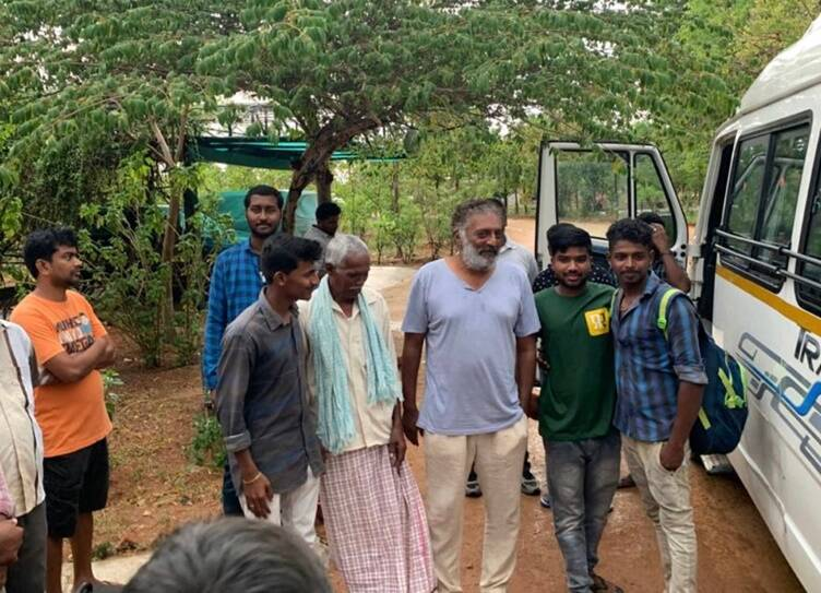 Actor Prakash Raj helps migrant workers