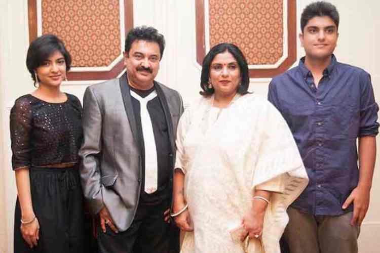 actress sripriya daughter sneha, sripiriya daughter sneha photo goes viral, ஸ்ரீபிரியா மகள், ஸ்ரீபிரியா மகள் சிநேகா புகைப்படம் வைரல், sneha, sripiriya, tamil cinema news, tamil news, cinema news, sripriya mnm