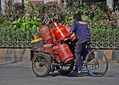 madras high court, court news, chennai high court, cylinder delivery, tamil nadu news, news, news in tamil, சென்னை ஐகோர்ட், தமிழக செய்திகள்