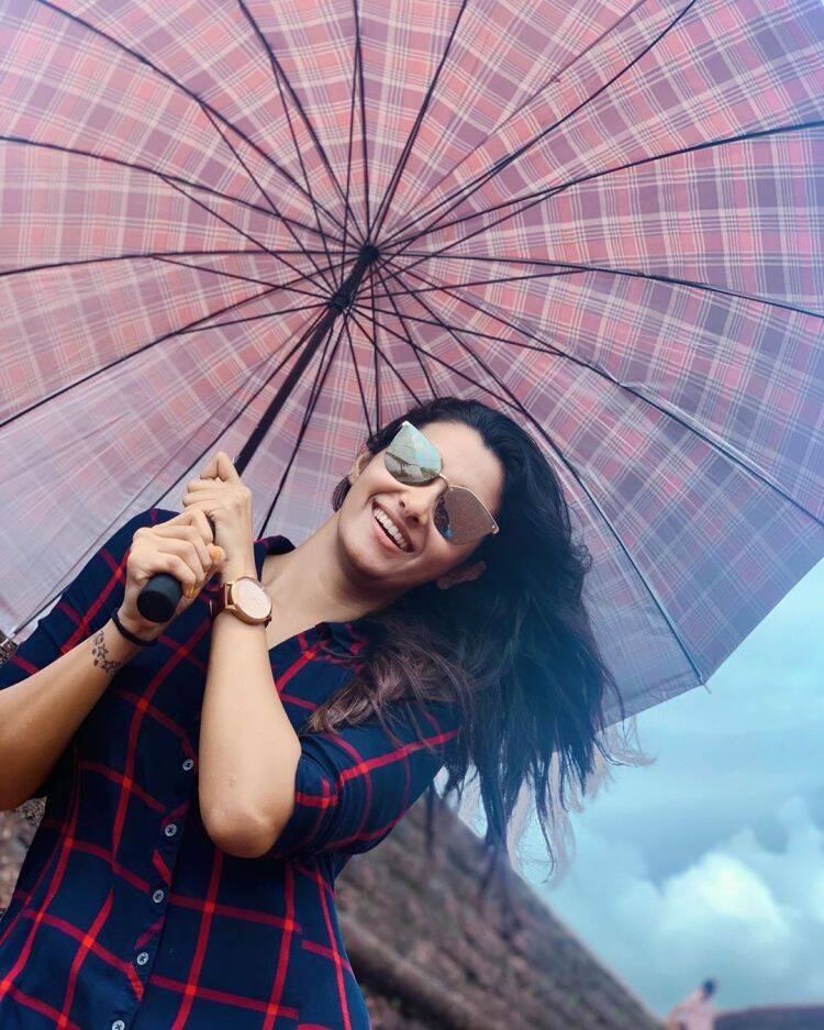 actress priya bhavani shankar, priya bhavani shankar love break up, பிரியா பவானி சங்கர், பிரியா பவானி சங்கர் புகைப்படம் வைர, பிரியா பவானி சங்கர் காதல் பிரேக் அப், priya bhavani shankar reaction photo goes viral, viral photo, tamil viral news, tamil cinema viral news, tamil viral photo news, latest tamil cinema news