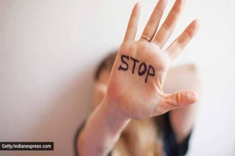 corona virus, lockdown, domestic violence, lockdown, india lockdown, coronavirus, national commission for women, national commission for women data, sexual abuse, rise in domestic violence cases, indian express lifestyle, indian express news