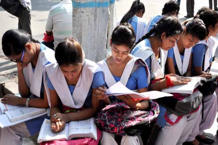 Tamil News Live Updatesckdown, sslc exam new time table, minister sengottaiyan, school education department, tamil nadu government, news in tamil, tamil news, news tamil, todays news in tamil, today tamil news, today news in tamil, today news tamil,
