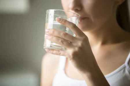 Summer, drinking water, warm water, drinking hot water, drinking warm water benefits, weight loss warm water, indian express news