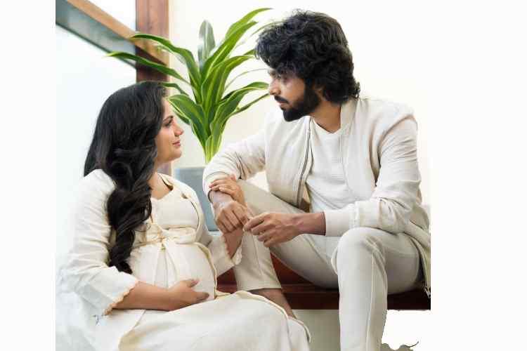 gv prakash wife saindhavi shares maternity photo in marriage anniversary day, ஜீவி பிரகாஷ், சைந்தவி, புகைப்படம் வைரல், musci director gv prakash, singer saindhavi, tamil cinema news, latest viral news in tamil