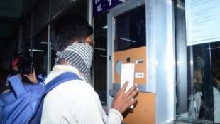 indian railways, railways, prayagraj junction, covid-19, ticket checking system, north central railway, இந்தியன் ரயில்வே, ரயில் செய்திகள்