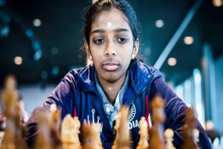 r vaishali, r vaishali chess, r vaishali beats antaoneta stefanova, sports news, வைஷாலி, விளையாட்டு செய்திகள், கிரிக்கெட் செய்திகள், செஸ், latest sports updates,