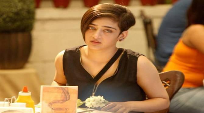 Akshara Haasan's Makeup Artist Dies due to Coronavirus