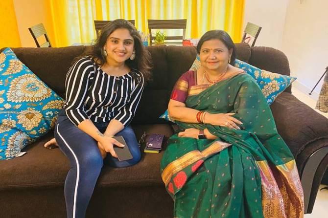 Vanitha Vijayakumar bold reply to Kutty Padmini