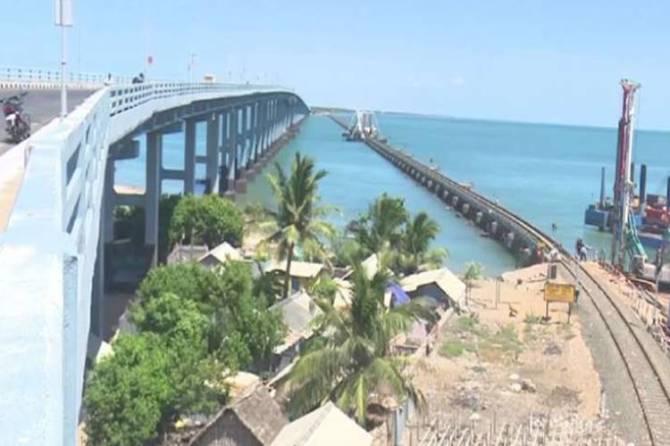 pamban bridge, indian railways, புதிய பாம்பன் பாலம், இந்திய ரயில்வே, railways, tamil nadu, Mandapam, Rameswaram, vertical lift railway sea bridge