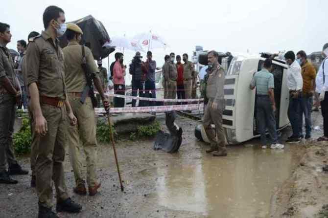 Uttar pradesh police Encounter, vikas dubey Encounter news, vikas dubey police Encounter, vikas dubey video , விகாஸ் துபே , Hyderabad Encounter, Hyderabad police Encounter